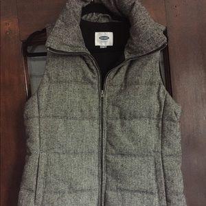 Old Navy Grey Herringbone Puffer Vest